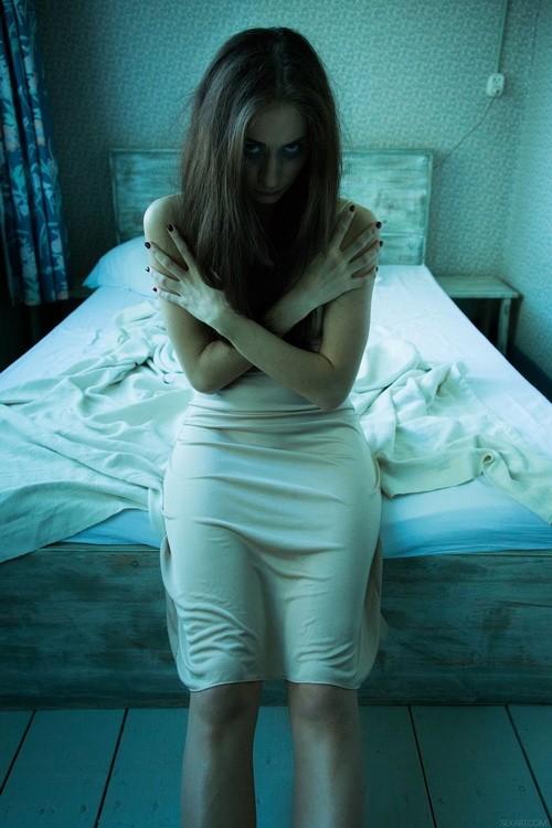 SexArt/MetArt - Assoli - House: An Erotic Horror Story (FullHD/1080p/1.30 GB)